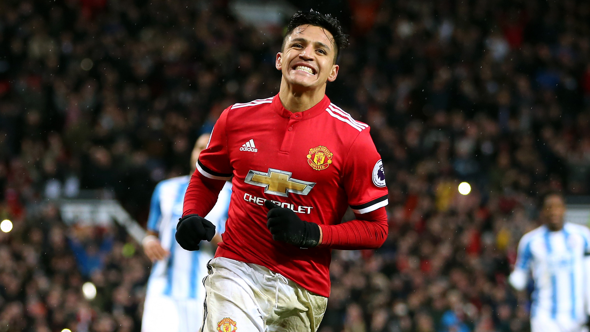 Alexis sets Manchester United shirt-sales record