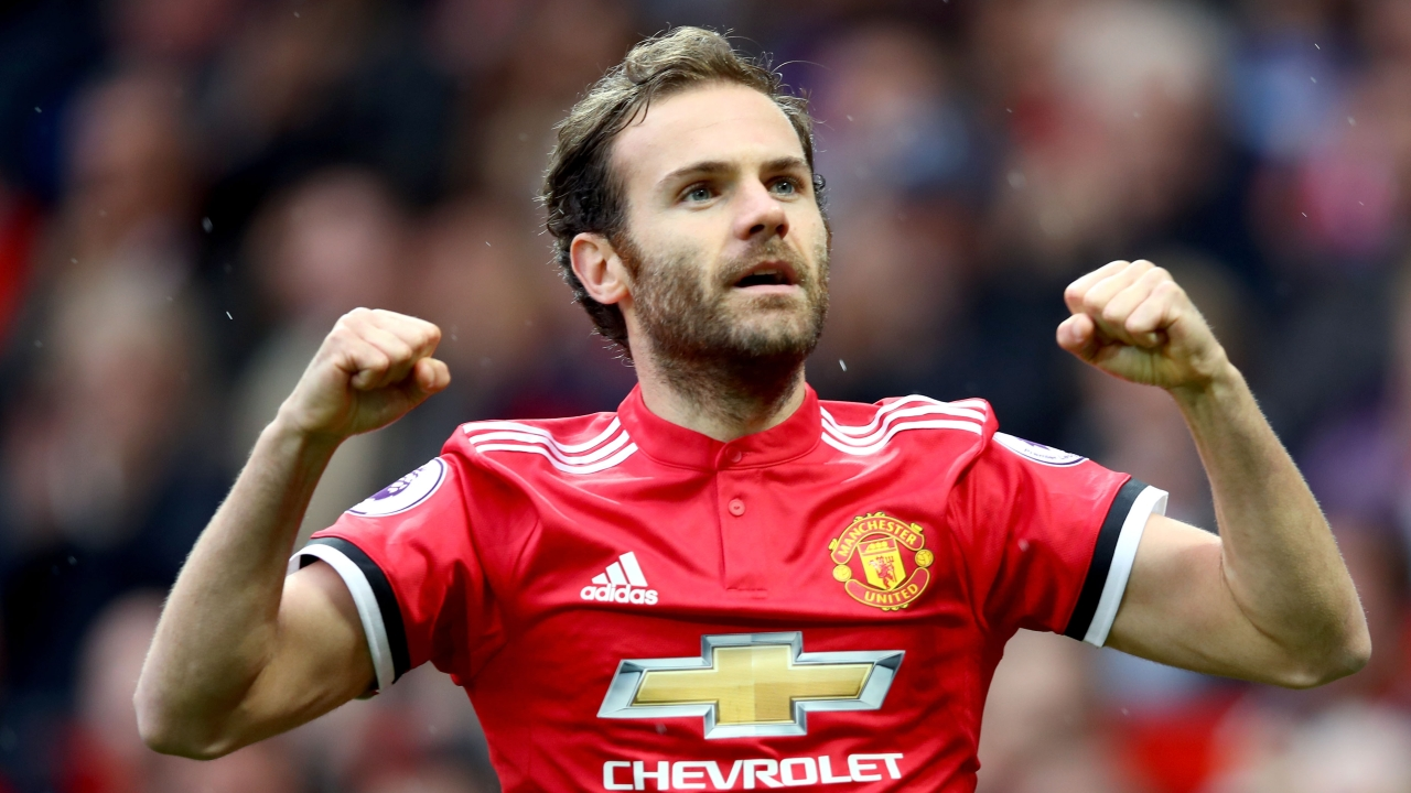 Manchester United trigger Mata's extension clause