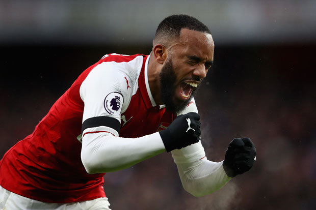 Arsenal confirm Lacazette out for up to six weeks with knee injury