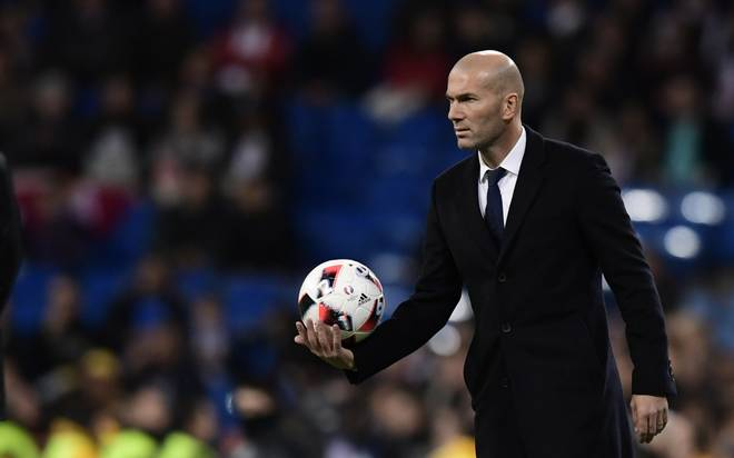 Figo demands time for under-pressure Real Madrid boss Zidane